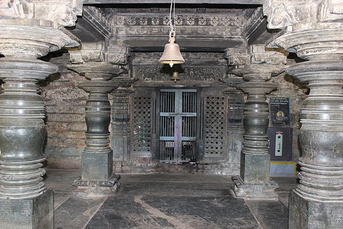 Siddeshwar temple open mantapa facing sanctum
