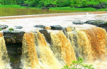 Giradhod Waterfall Photo