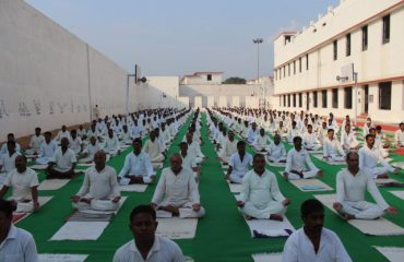 Yoga on Yoga Day in Central Jail