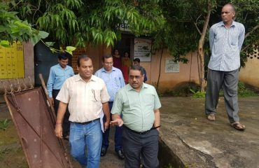 Commissioner inspected polling stations of  Darrighat Masturi Kirari