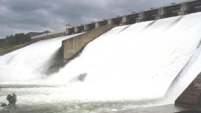 Aliyar Dam water flow view