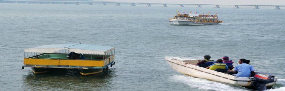 Boating in river Godavari