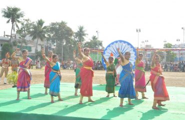 folkCultural activity by girls