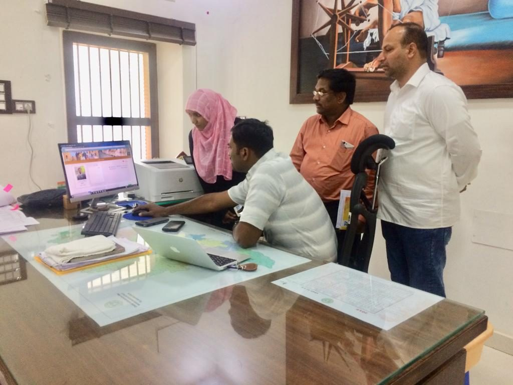 Discussion with DISTRICT COLLECTOR ABOUT URDU WEBSITE