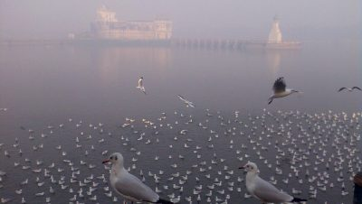 Winter morning of Lakhot Lake