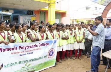The District Collector Mr.R.Kesavan IAS directs the NSS students about their Cleanliness campaign.