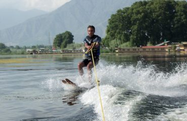 Water Skiing Nigeen Lake