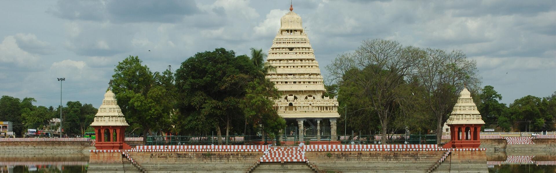 Mariamman Teppakulam - Vandiyur