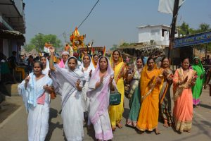 Women participating in celebrations of Kundalpur Mahotsav