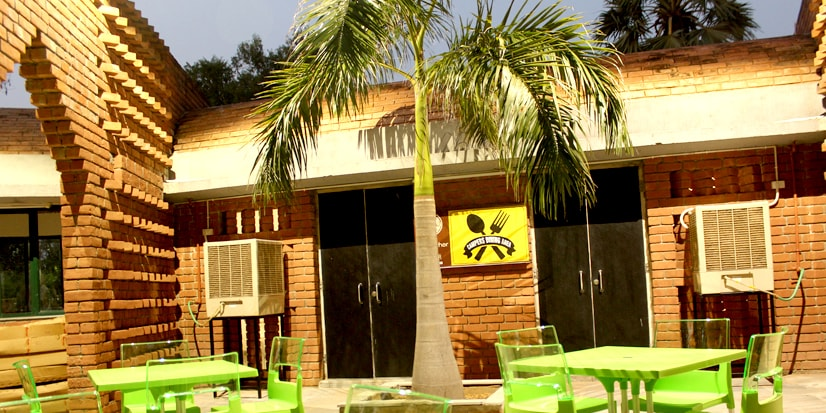 Picture of the restaurant in the park premises.