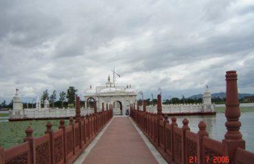 पावापुरी जल मंदिर
