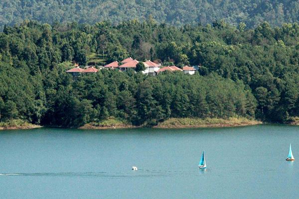 Umiam lake,Ri bhoi