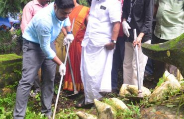 The District Collector Shri S Suhas Inaugurating the Swachh BHarath Fortnight at Coir Board