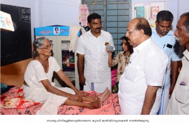 PWD minister G. Sudhakaran visiting relief camp in Gov. U.P. School Alappuzha